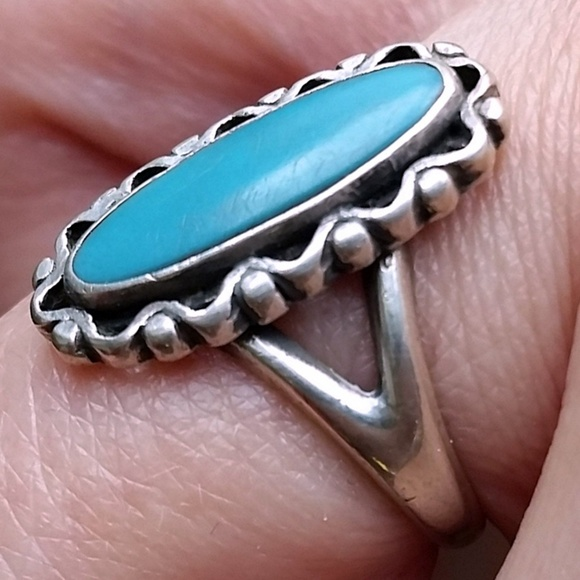 Vintage Jewelry - 8 • Vintage 40s NA Turquoise Sterling Silver Ring